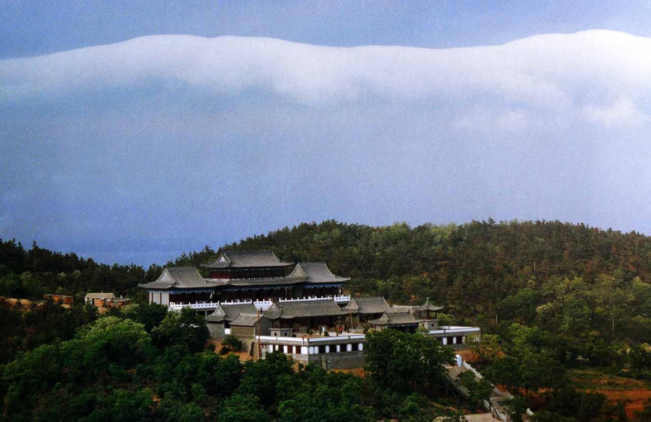 旅游攻略 海岛度假攻略 > 正文  三元宫位于大长山岛的三官庙村,始建